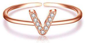 Alphabet V Ring